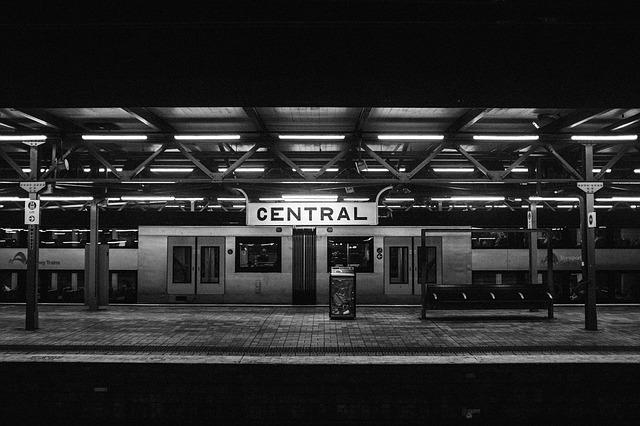 estaciones de tren goldcar