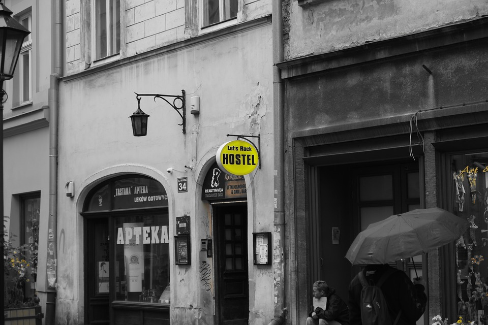 hostel posthel goldcar