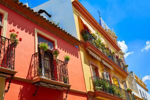 On gold road el blog de goldcar for Alquiler de casas en triana sevilla