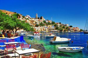 viaje por grecia botes pesqueros